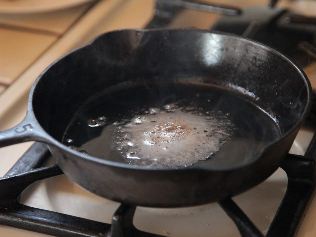 Discover The Danger Caused By Cooking With These Plant Oils!